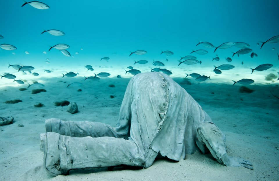39-overview-jason-decaires-taylor-sculpture.jpg