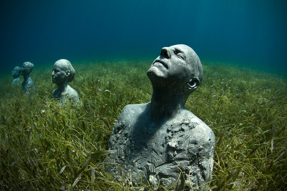 the-anchors_jason-decaires-taylor-sculpture-art-01.jpg