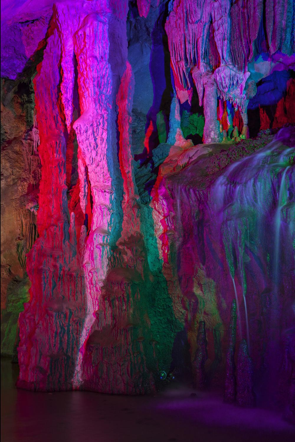 10476-13107932-Cave_V_web_6_jpg.jpg