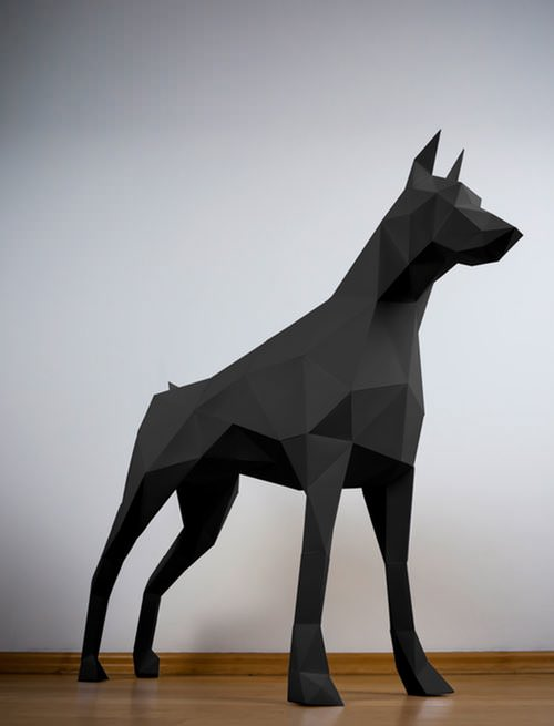 Dobermann-Papertrophy-schwarz-low-poly-animal-Dobermann.jpg