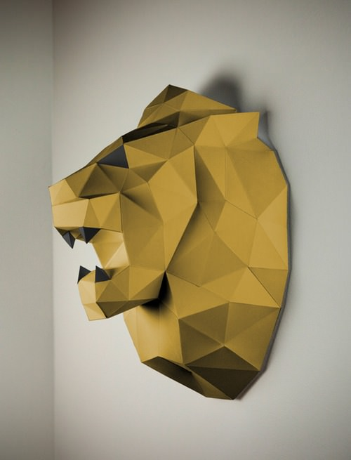 Lion-Papercraft-gold-black.jpg