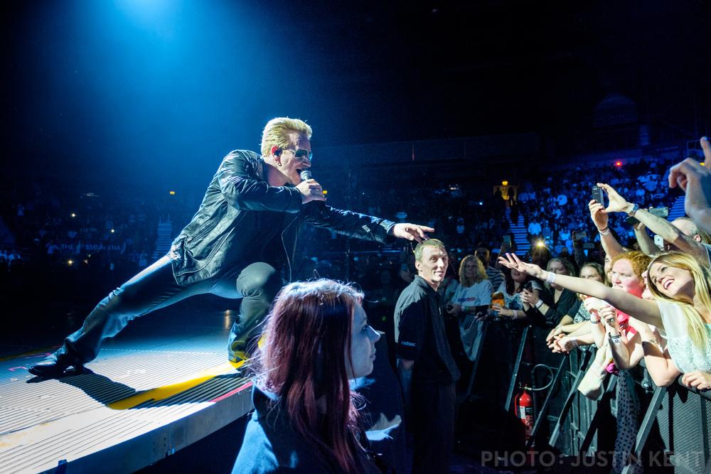 Bono reaches for Amra