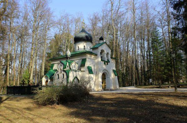 Церковь в Абрамцево. Фото: img-e.photosight.ru