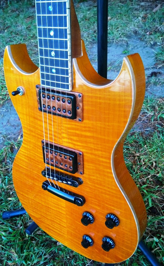 Hawkins Electric Guitar Curly Maple Top