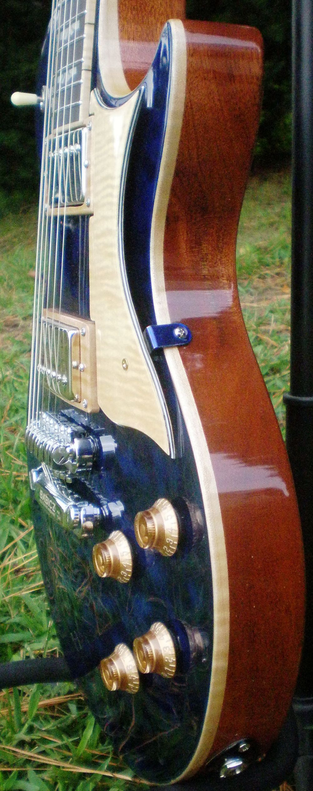 Hawkins Les Paul Style Guitar Side