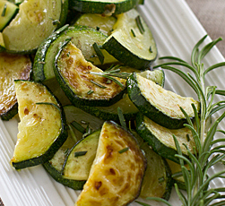 Candida-diet-Natalia-correa_zucchini_with_fresh_rosemary_and_garlic