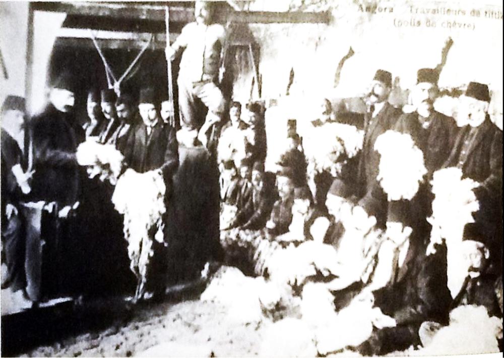 Ankara- Tiftik Atölyesi   Kaynak: Raymond N. Kevorkian & Paul B. Pa  boudjian, 2013.  1915 Öncesinde Osmanlı İmparatorluğu'nda Ermeniler, İstanbul: Aras Yayıncılık.