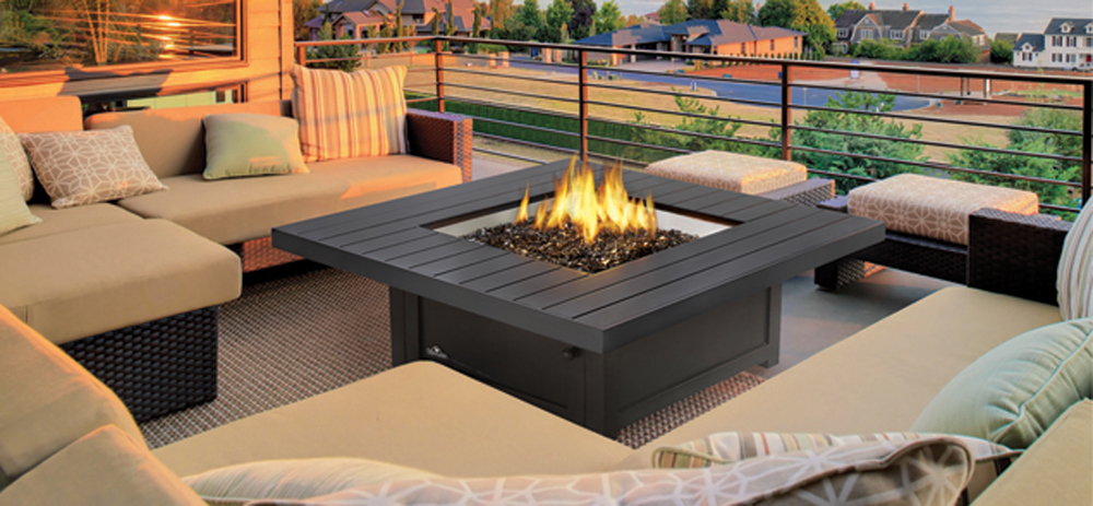 ps_patioflame-table-square-roomset-outdoor-web_1359_S-2.jpg
