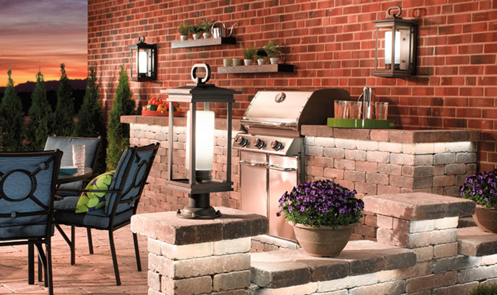 Outdoor_Living_696x400-2.jpg