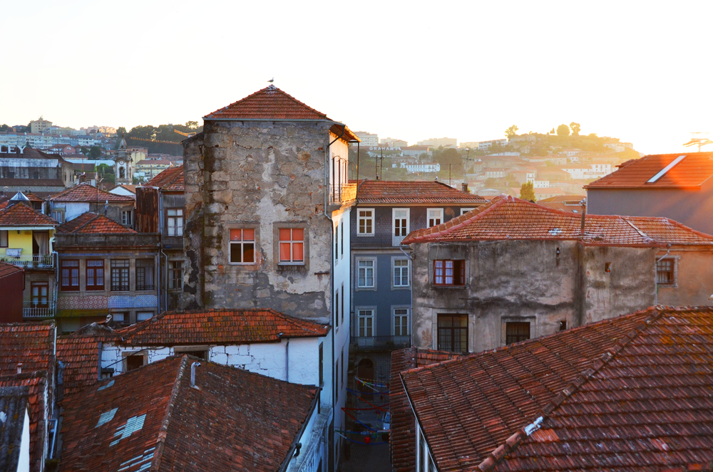 sunset-buildings-porto-portugal.png