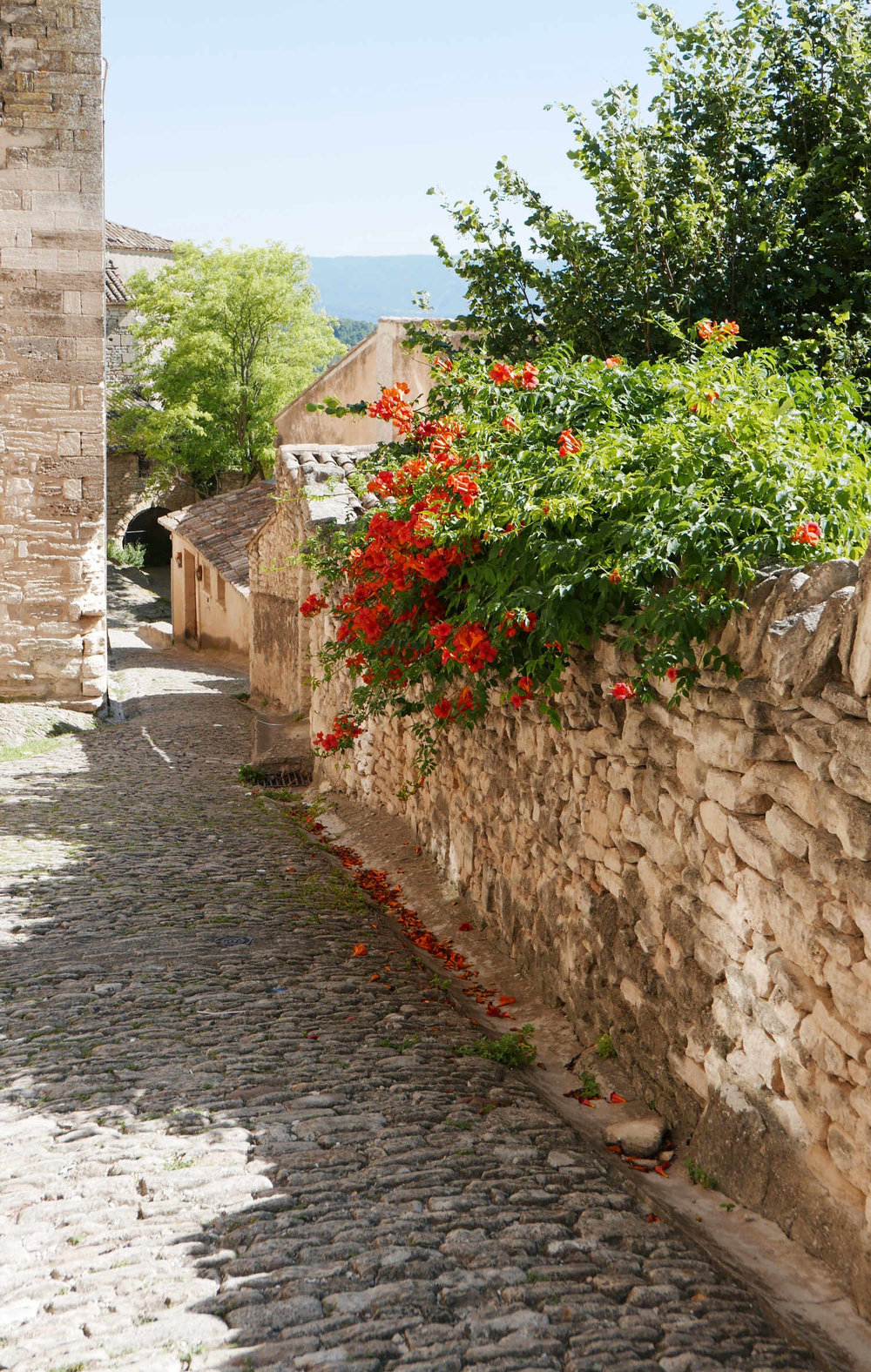 gordes-south-of-france.png