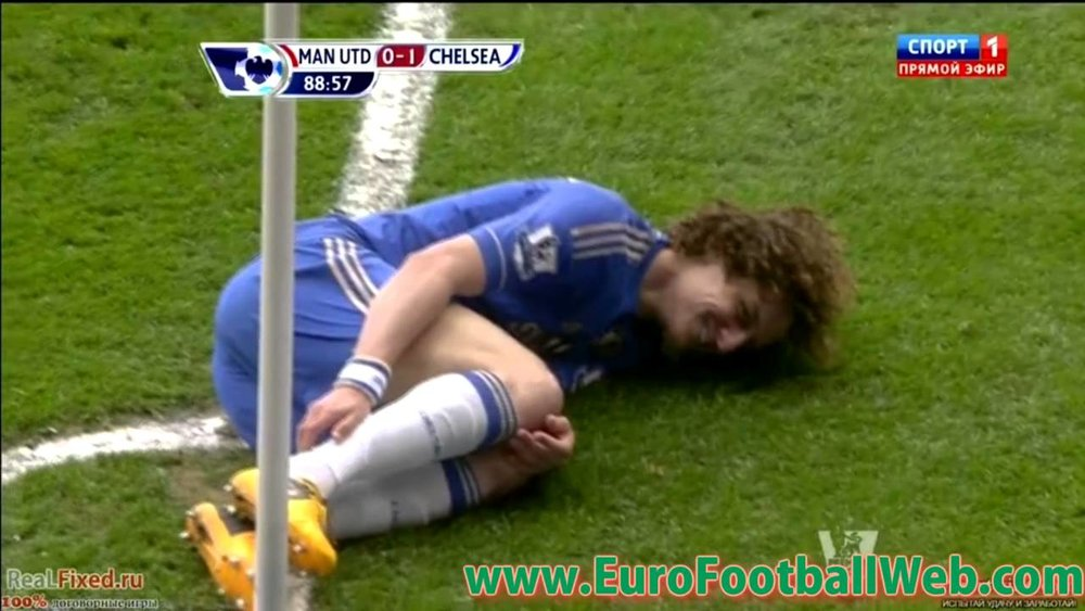 The only acceptable way to fake an injury is to do so while laughing. Kudos David Luiz!