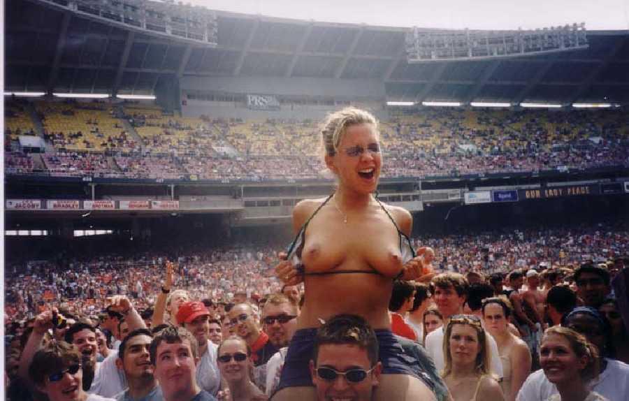 Woman Flashing Boobs at Concert.jpg