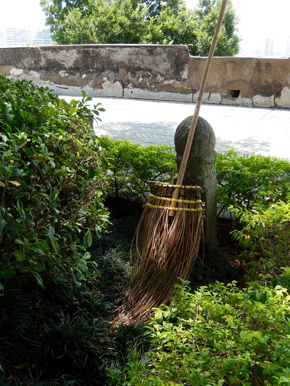 Bamboo broom-Macau-Monte Forte-tool.jpg