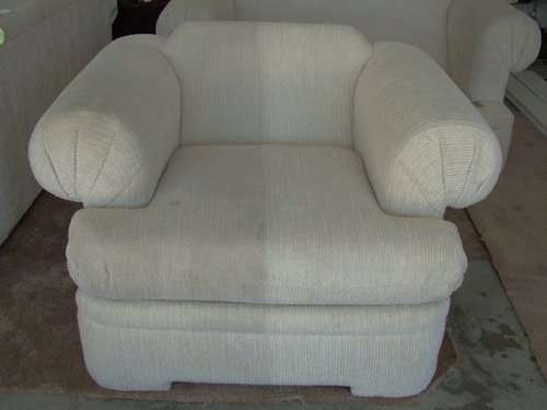 Upholstery Cleaning Maid In Saint Louis Provides House Carpet - Sofa upholstery cleaning