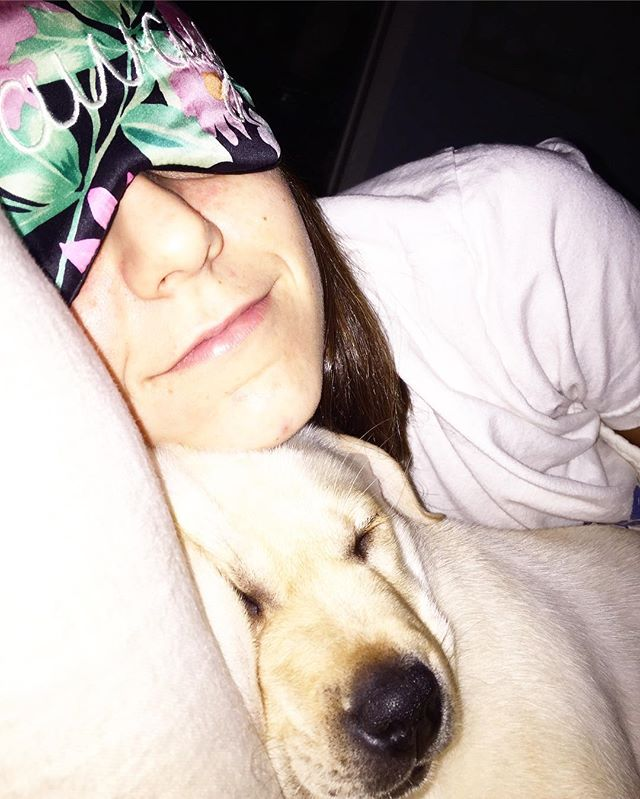 Friday snuggles too good not to share! Thanks for the pic @rileymlandry ! Send us your #sleeyselfies ! #temperowe