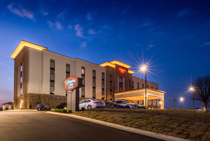 HamptonInnParagouldWebsite.jpg