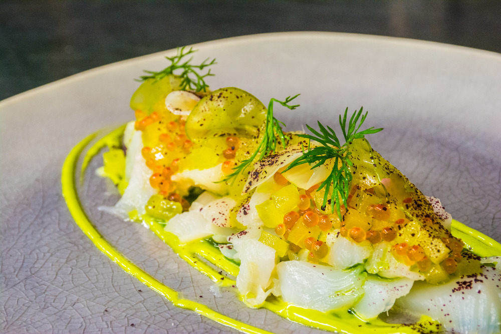 Filet of cod with shrimp, apple slices and celery carpaccio, in dill mayonnaise