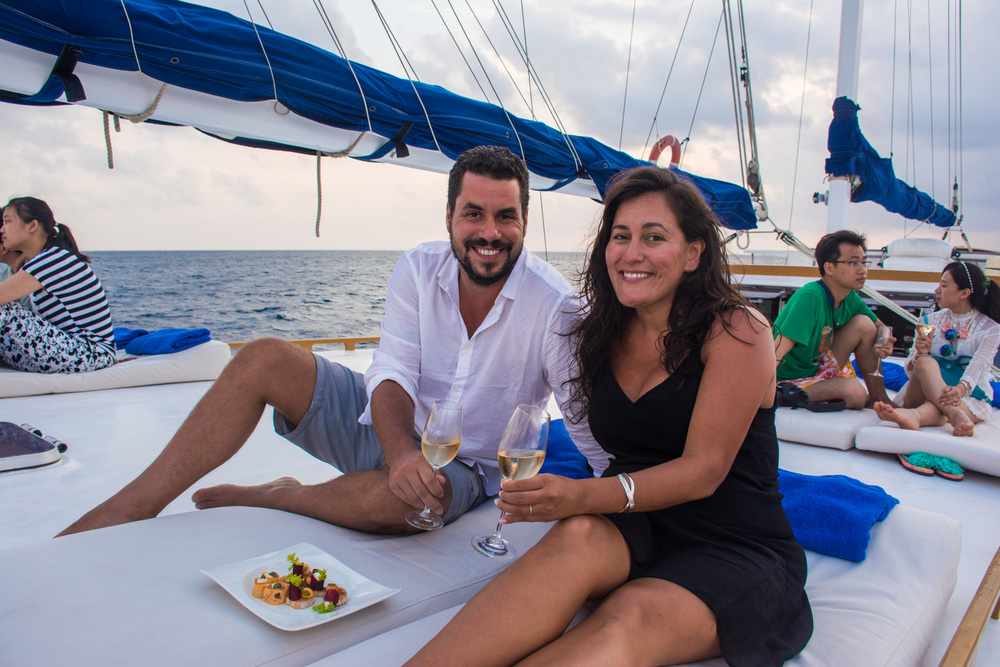 Sailing around the Indian Ocean with canapés and bubbly!