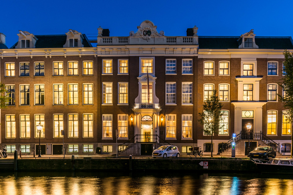 The waldorf astoria amsterdam a canal front luxury hotel for Best luxury hotel in amsterdam