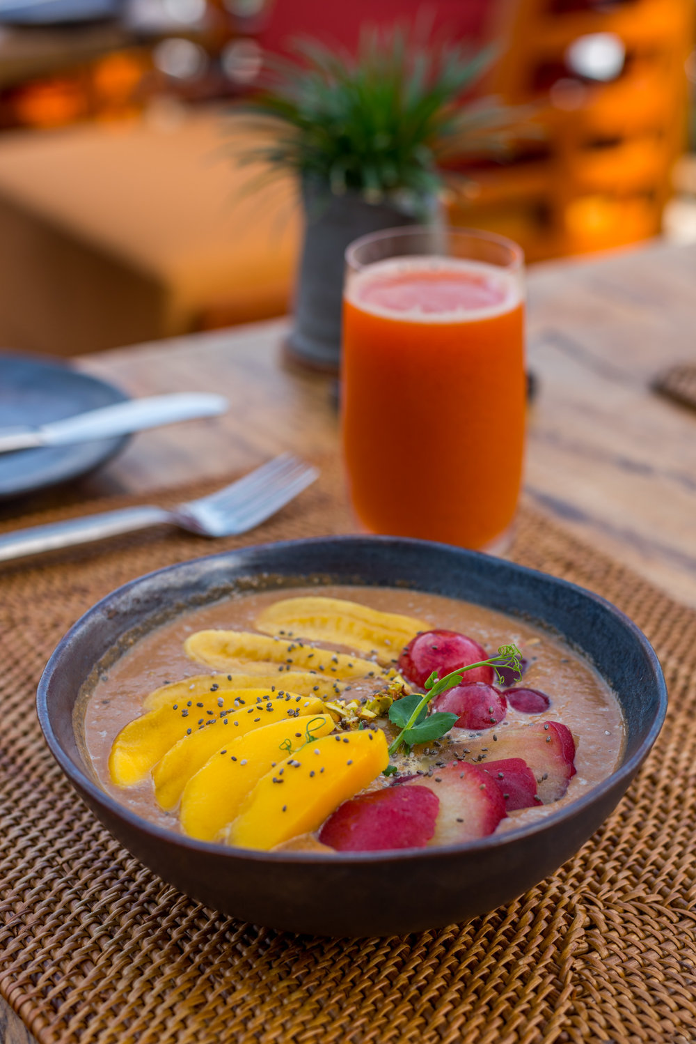 Fresh juices and quinoa porridge for breakfast
