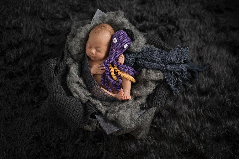 nyfødt-nyfødtfotograf-nyfødtfotografering-fotograf-hodnedesign-pål-hodne-7385.jpg