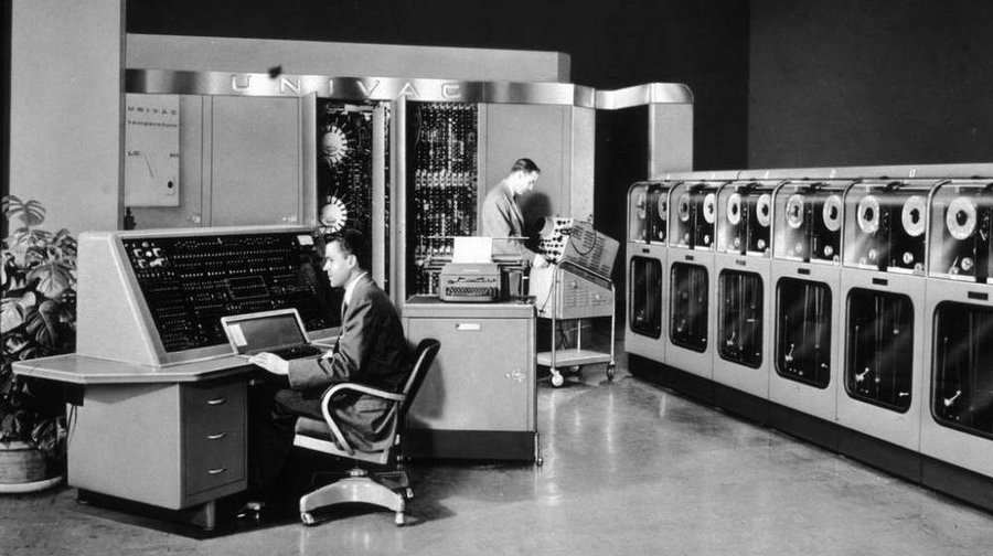 Image source: http://www.npr.org/2011/06/19/137280862/the-first-supercomputer-vs-the-desk-set