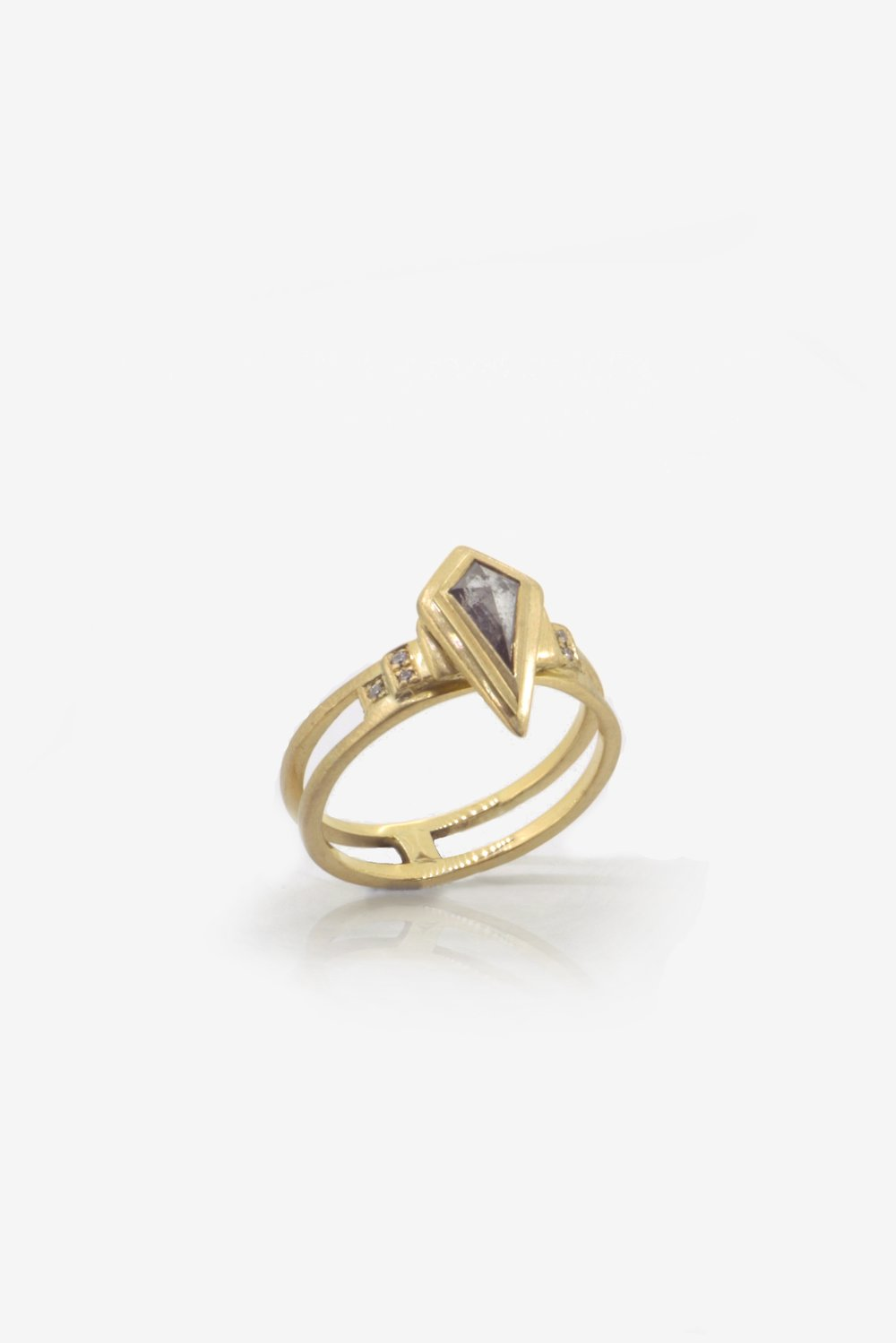 Conflict free salt pepper diamond ring in Fairtrade Gold