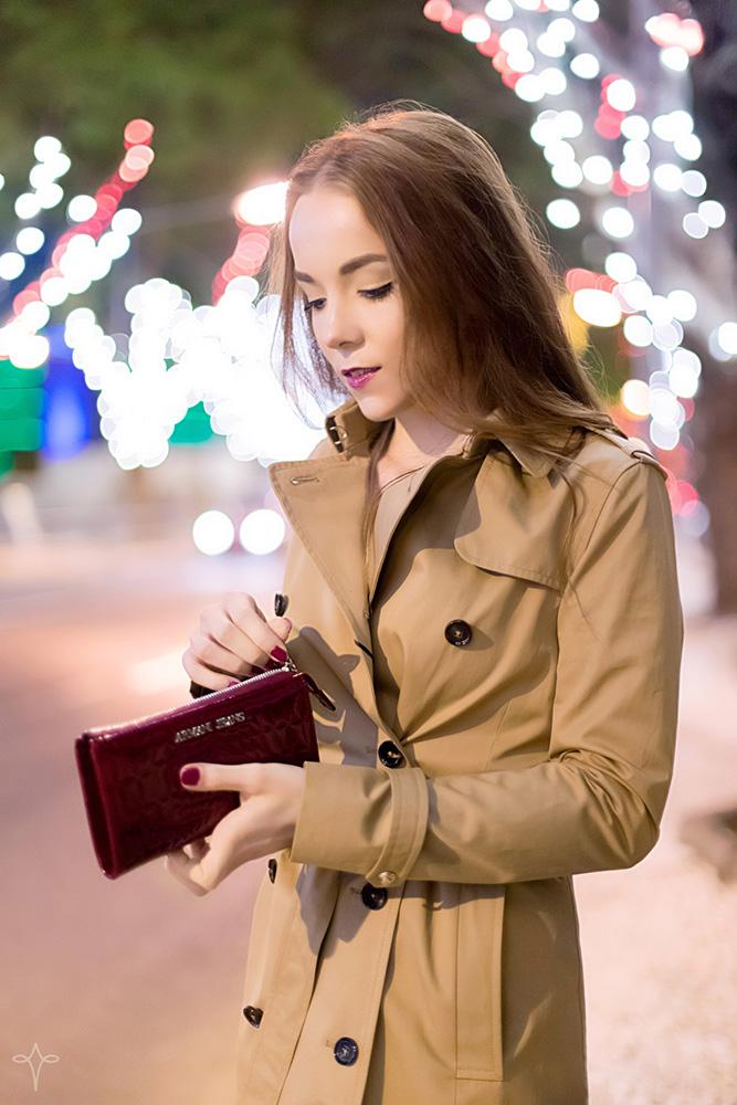 silver_girls_city_of_lights_3.jpg
