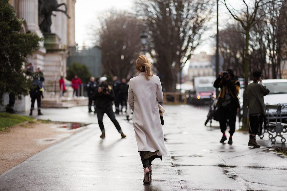 silver girl street style paris.jpg