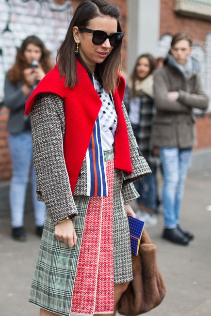 red-street-style-mfw-2016-day2-19_1.jpg