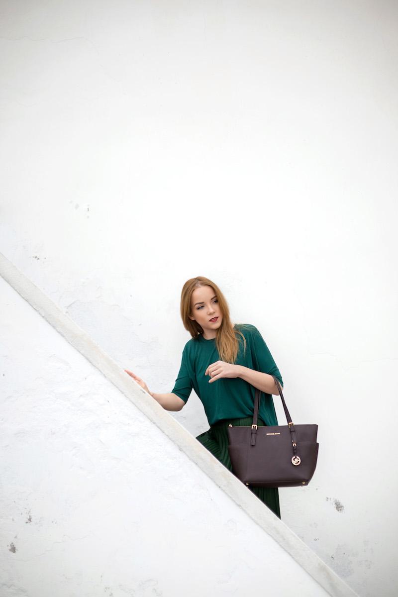 silver_girl_salt_villa_4.jpg