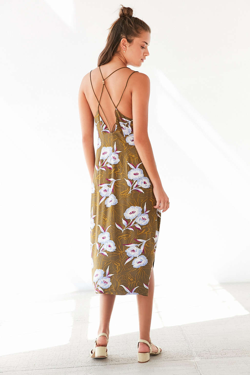 FAVORITE SUMMER DRESSES AT URBAN OUTFITTERS