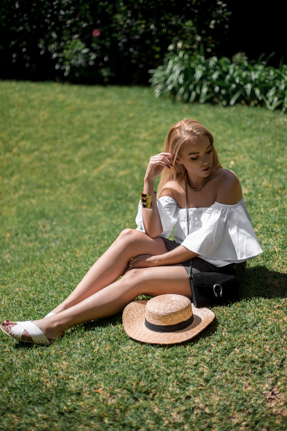 silver_girl_rattan_and_straw_2.jpg