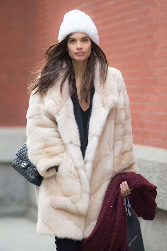 get the look sara sampaio