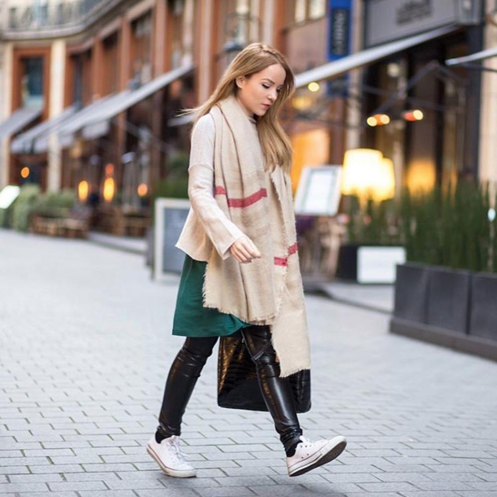 paris street style silvergirl neutrals