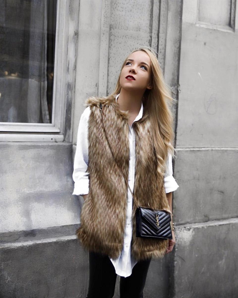 pfw faux fur vest street style silvergirl