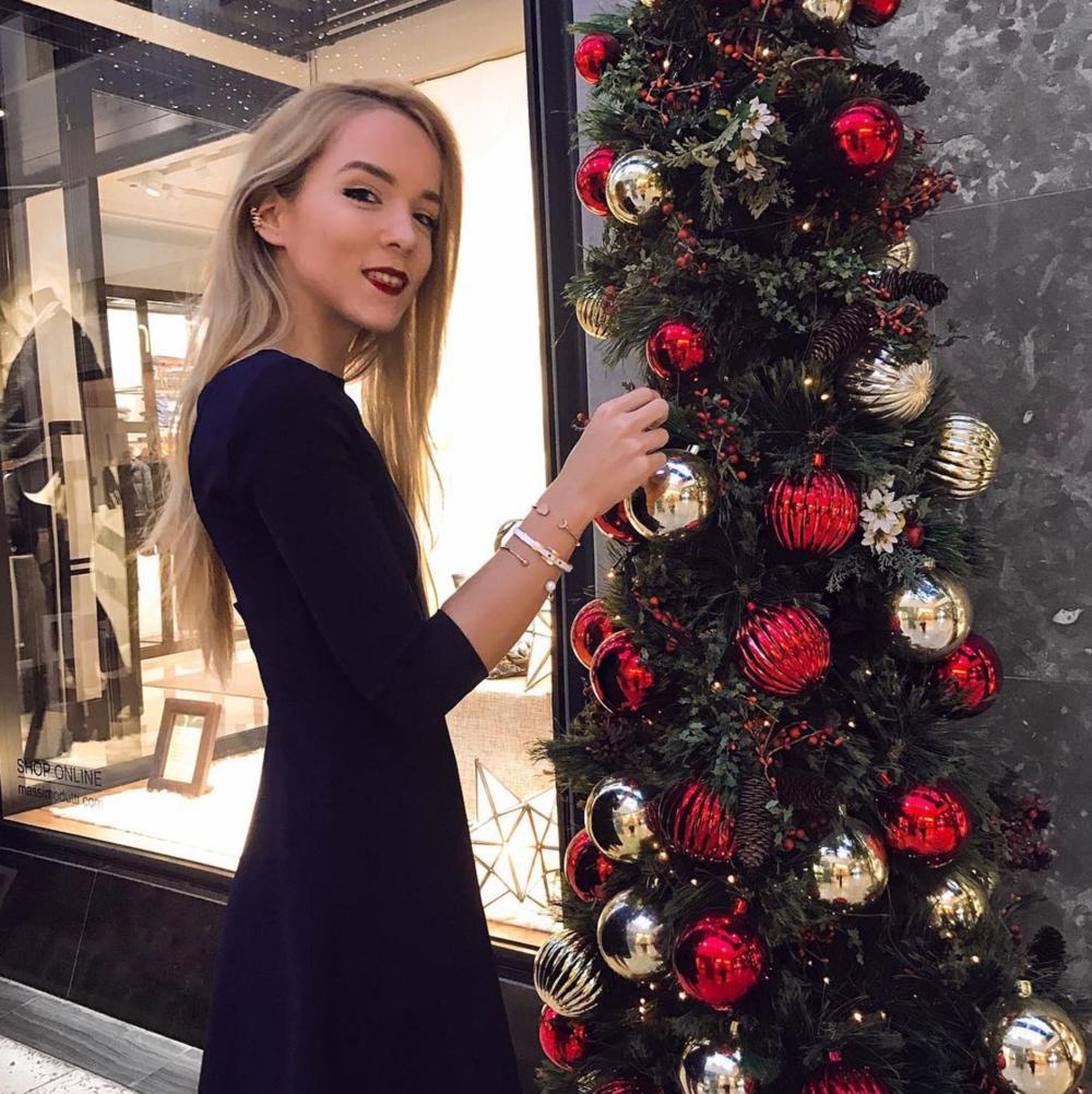 instagram miasoarez blue mini dress christmas shopping