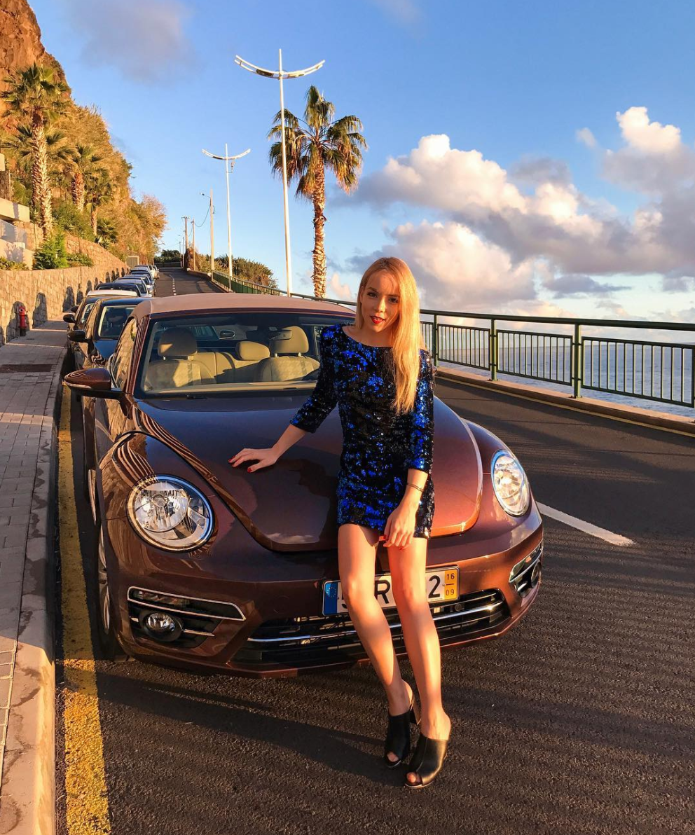 volkswagen sunset blue sequin dress road trip summer style inspiration