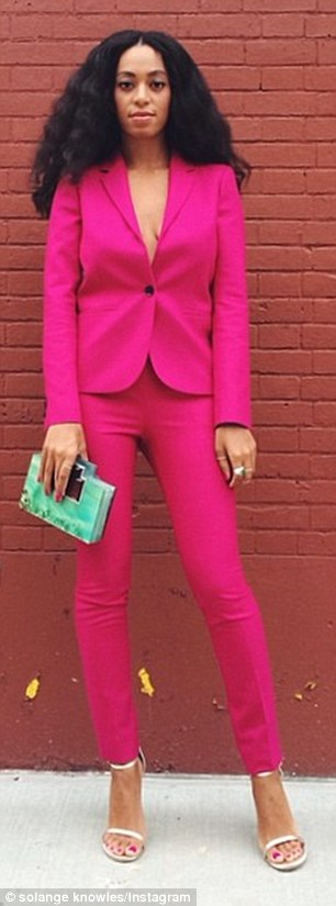 243F578400000578-0-Rummaging_through_her_closet_Beyonce_sported_a_daring_hot_pink_s-a-16_1419389739746.jpg