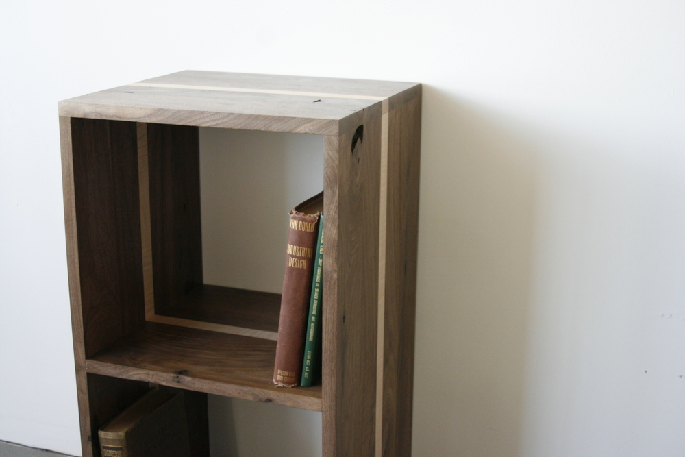 Book bløck Vinyl / Book Storage, American black walnut & Curly Maple.