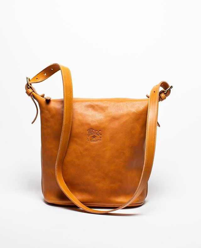 Il Bisante leather bags...now 40% off! Made in Italy. Closing sale is on! Open today from 11-5.  #honeyandroshop #closingsale #shopmendo #gratitude