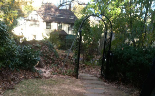 Larchmont-Residence-post-Sandy-destroyed-gate.jpg