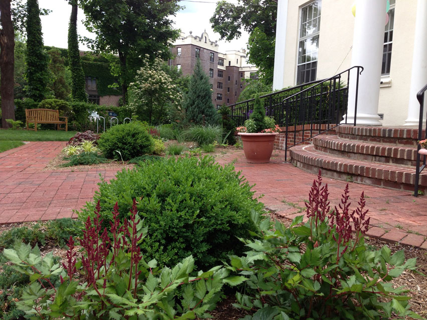 5-Larchmont-Library-Garden-after.jpg