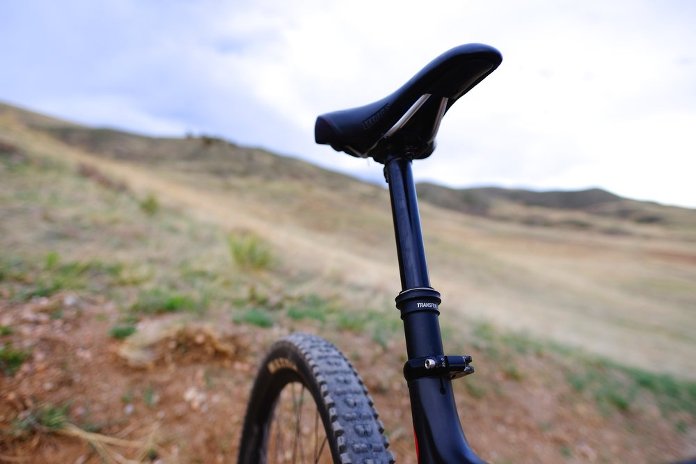 Pivot Switchblade - Saddle and Post