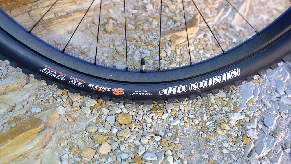 Yeti Cycles SB5.5 - Front Tire