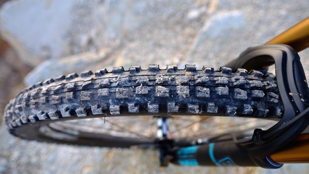 Yeti Cycles SB5.5 - Minion DHF
