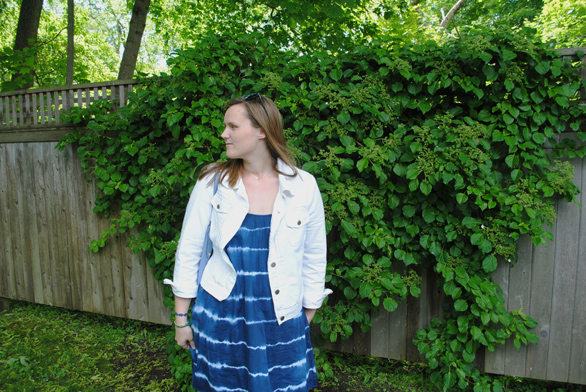 Summer Outfit,  J.Crew White Denim Jacket, College Fashion, New England Lifestyle, Madewell backyard sundress in indigo