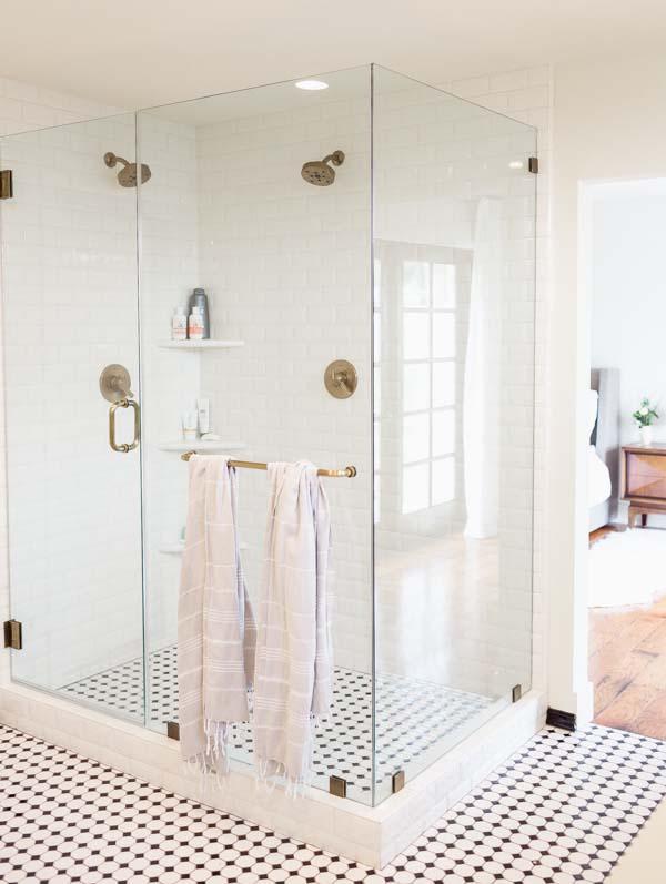 tiledbathroom3.jpg