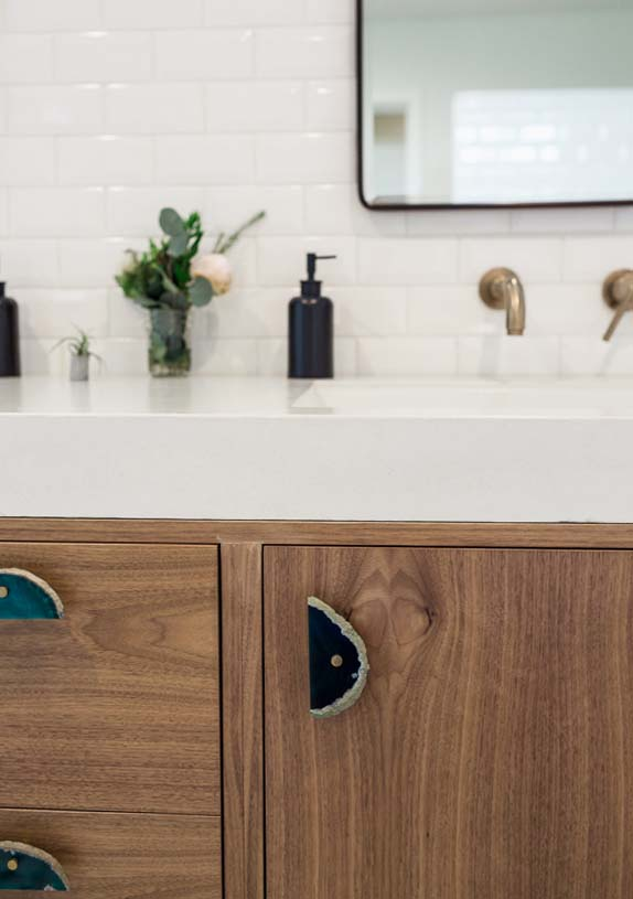 tiledbathroom1.jpg